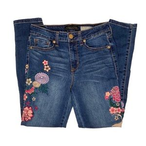 Aeropostale Embroidered High Waisted Ankle Jegging